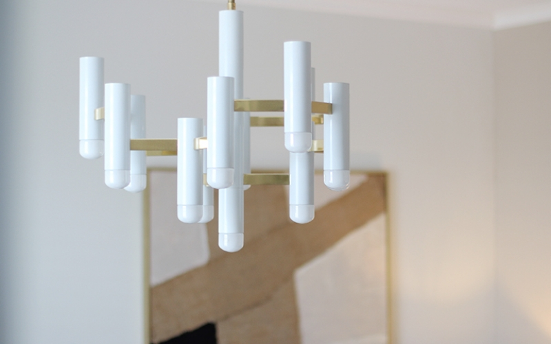 Sciolari Chandelier in Brass and White